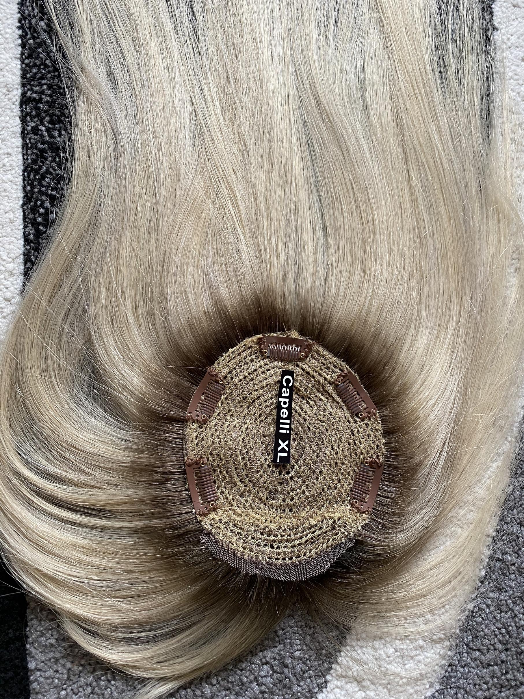 Toupet Chiusura realizzata con capelli veri europei per coprire il centro testa infoltitore, colore biondo effetto ricrescita capelli umani.