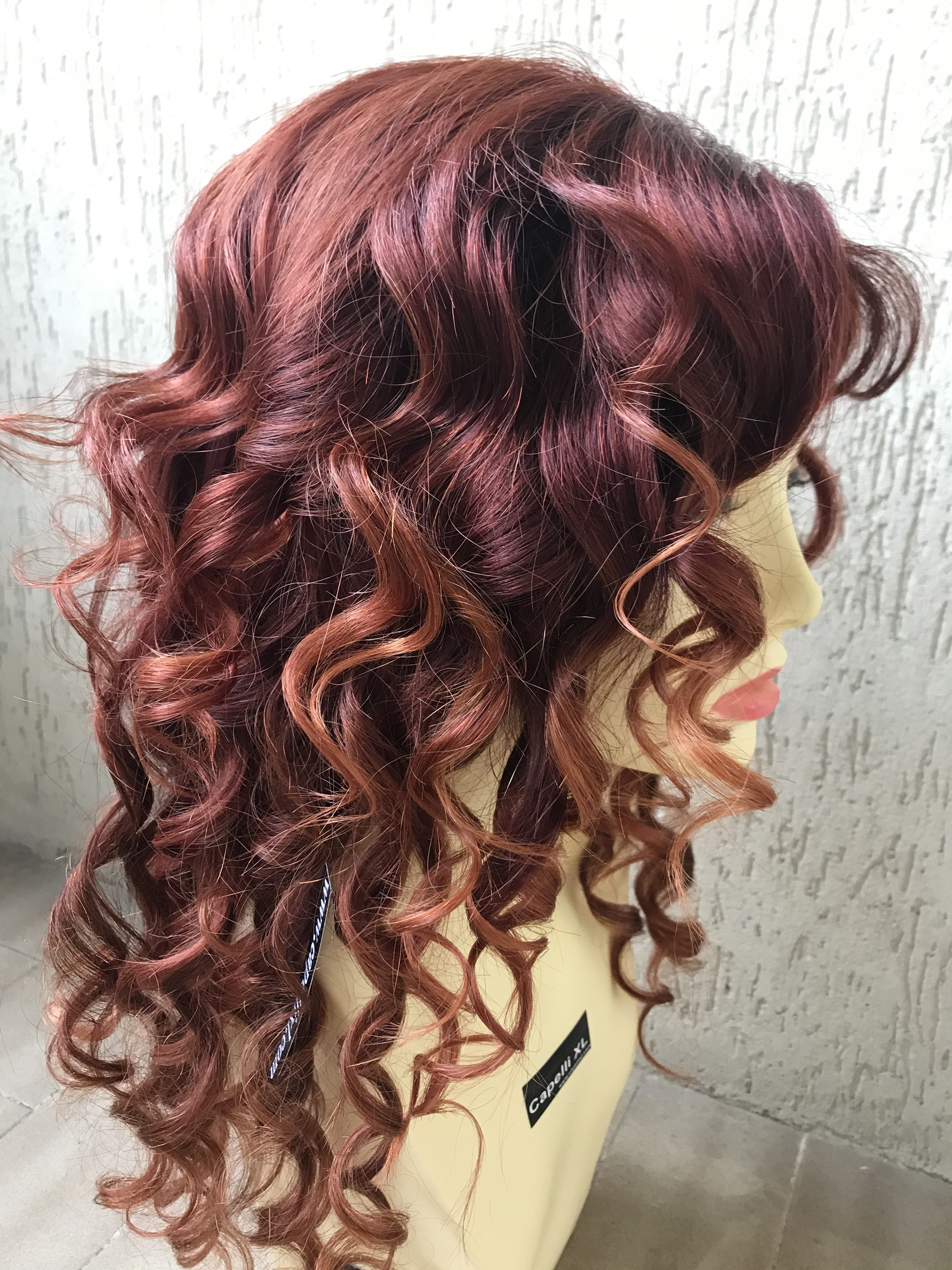 Parrucca lunga Colore rosso  capelli veri molto lunghi con frangialunghi